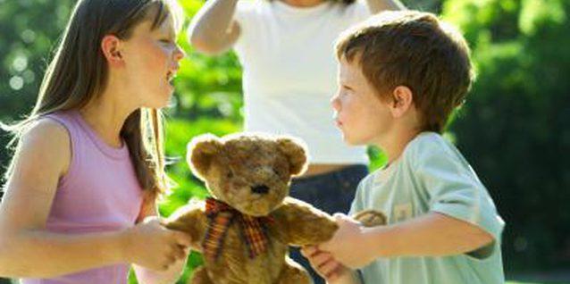 kids-arguing-on-a-teddy-bear