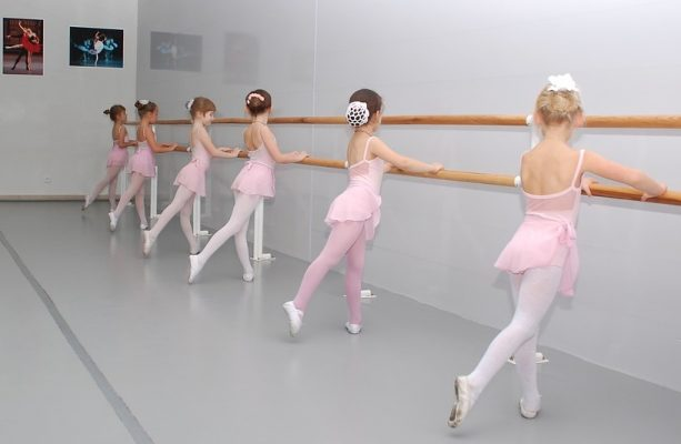 six-girls-dancing-ballet