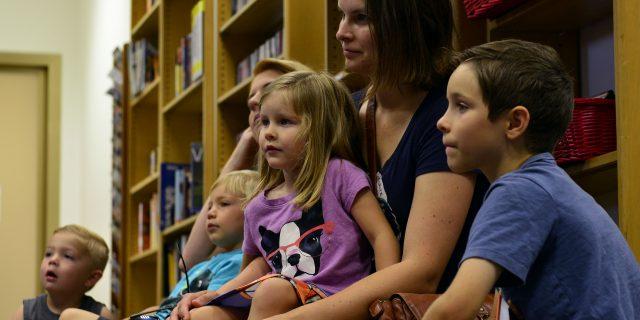 children-listening-in-library