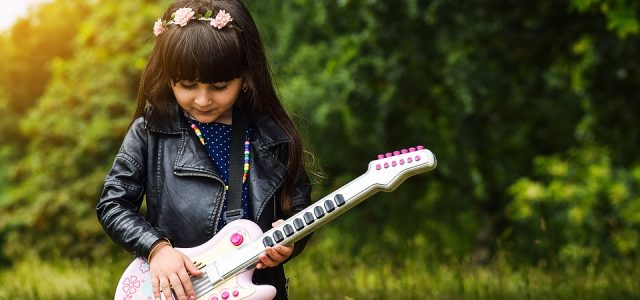 girl-with-a-guitar